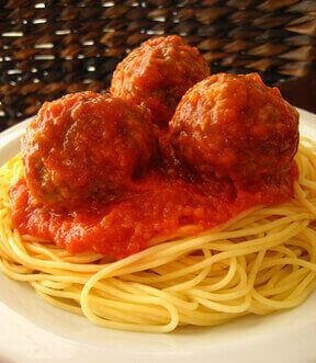 Spaghetti and Marinara With Vegan Meatballs
