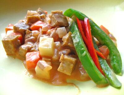 Spicy Vegan Kaldereta