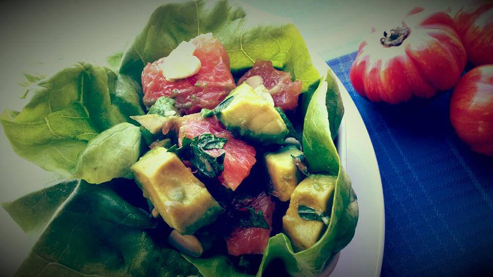 California Zinger - Healthy Lettuce Cup with Avocado and grapefruit