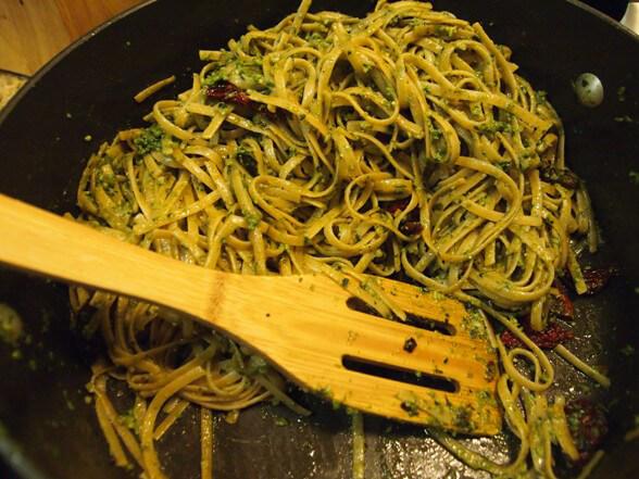 Pasta With Pestoa Saunce