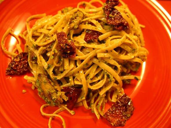 Sun-Dried-Tomato-and-Pesto Linguine