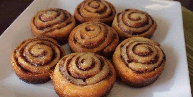 The Easiest Vegan Cinnamon Roll Recipe Ever