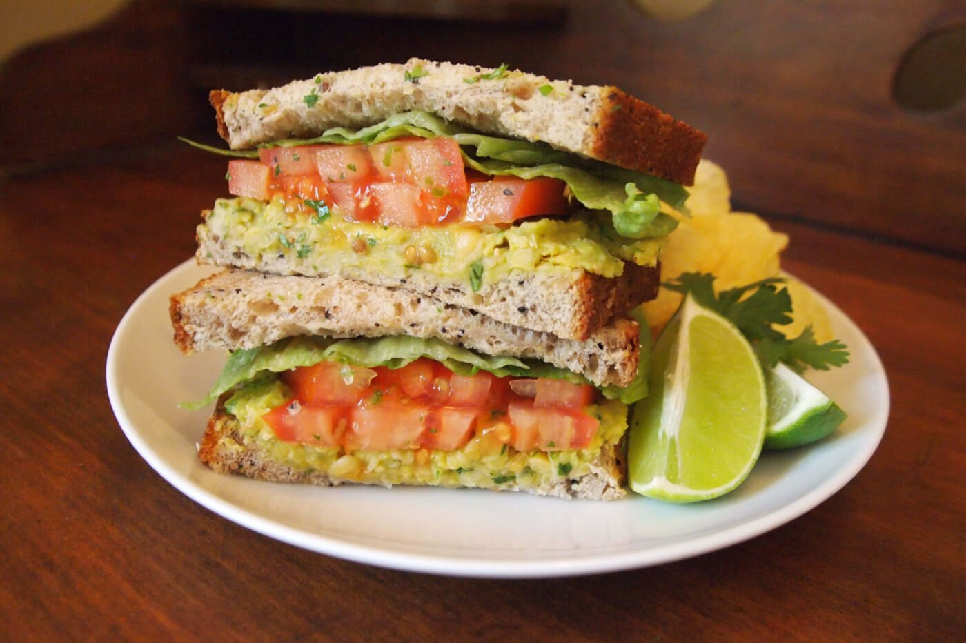 avocado-chickpea-sandwich