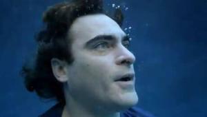 Joaquin Phoenix: Drowns