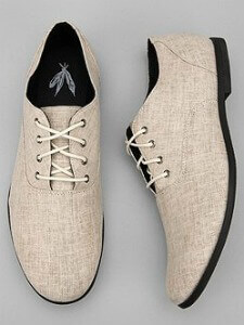 Tip: If your local Urban Outfitters doesn't have these shoes in stock, ask to have them ordered for you in the store. They ship to your house