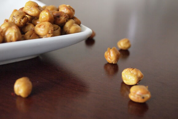 Roasted Chickpeas With Red Chili Pepper Flakes