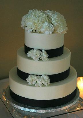 vegan wedding cakes everyone will love peta. Black Bedroom Furniture Sets. Home Design Ideas