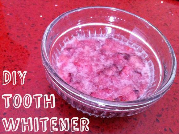 DIY Tooth Whitener (VIDEO)
