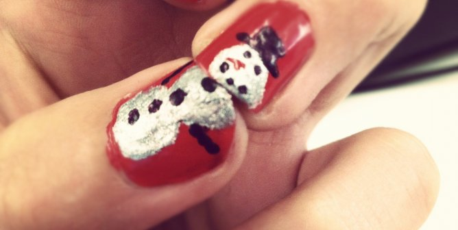 Festive Holiday Nails