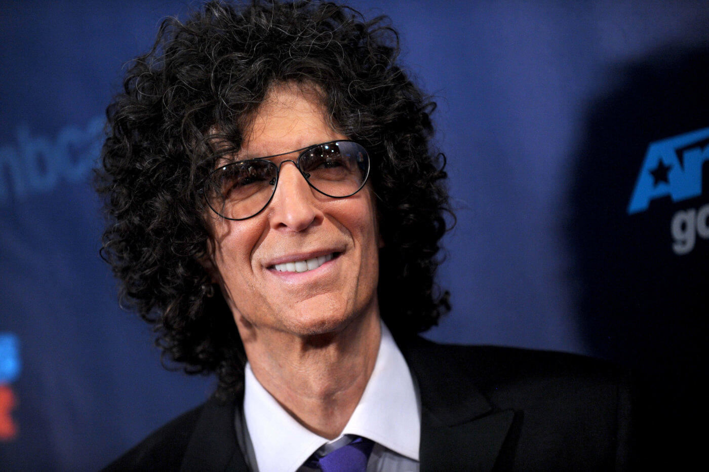 Howard Stern earned a 95 million dollar salary, leaving the net worth at 550 million in 2017