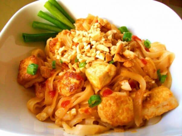 Easy Vegan Pad Thai Peta