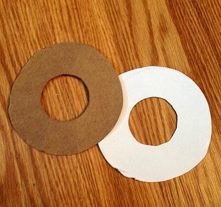 paper-pompom-maker