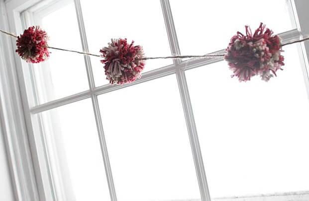 pompom-hanging