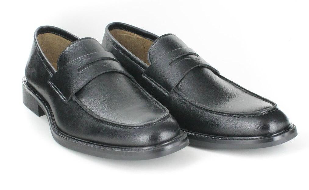 novacas cory loafer in black 116