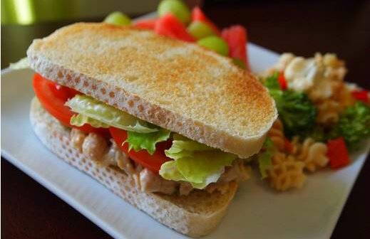 10 Vegan Lunch Bag Ideas (for Both Kids and Adults!)
