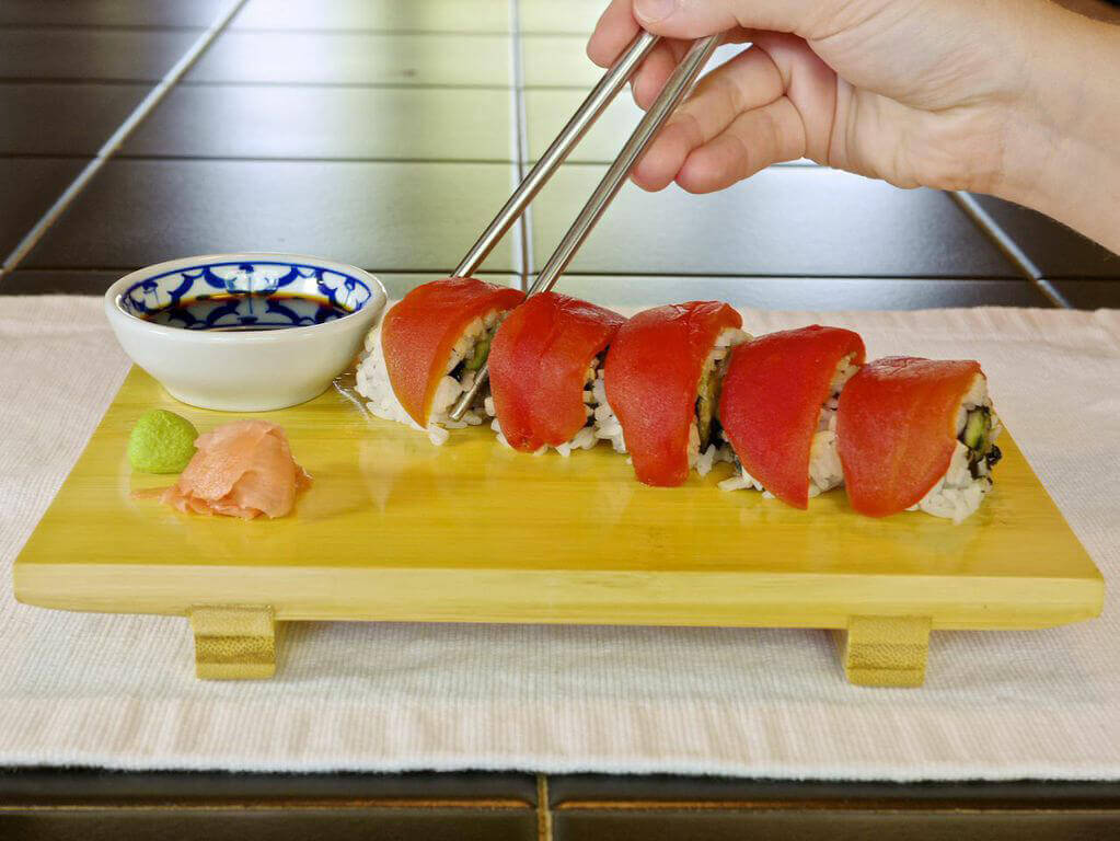 Whole foods now carries vegan tomato tuna sushi rolls peta for Whole foods sushi grade fish