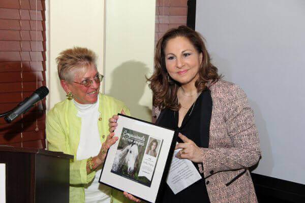 Nanci Alexander Presents Award to Kathy Najimy