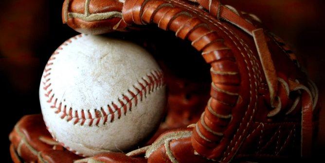 Leather-Free Baseball Gloves Do Exist