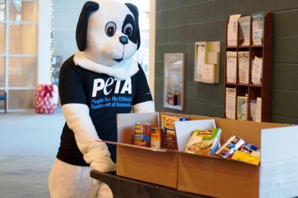 PETA's Newport News Food Drive