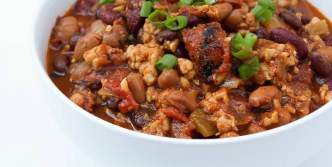 12 Hearty and Meat-Free Chili Recipes