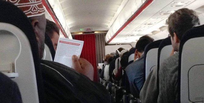 Unexpected Air France Flight Announcement Informs Passengers About Cruel Monkey Shipments