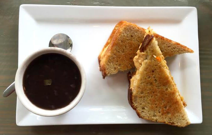Ballyhoos Grilled Cheese