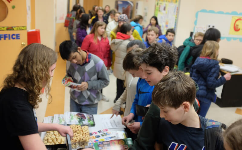Rose McCoy Holds Bake Sale for PETA at the Cllinton School