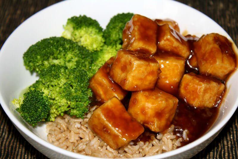 11 vegan foods that are complete protein sources peta for Cuisine vegan