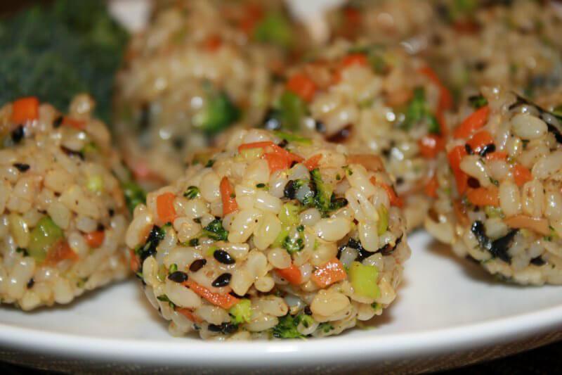 13 vegan korean recipes to make you say mashita peta korean rice balls forumfinder Choice Image