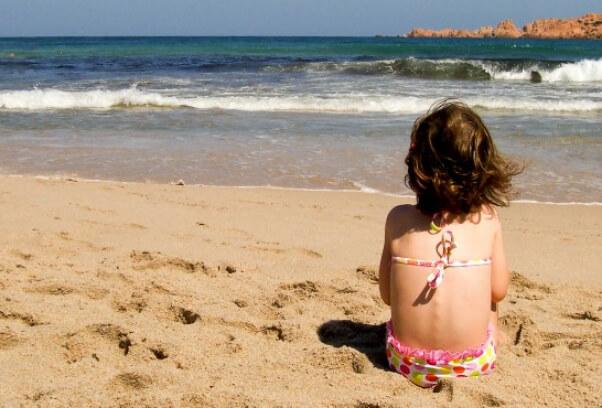 580_2D00_girl_2D00_beach