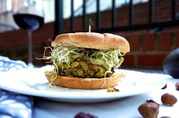 Curry vegan burger