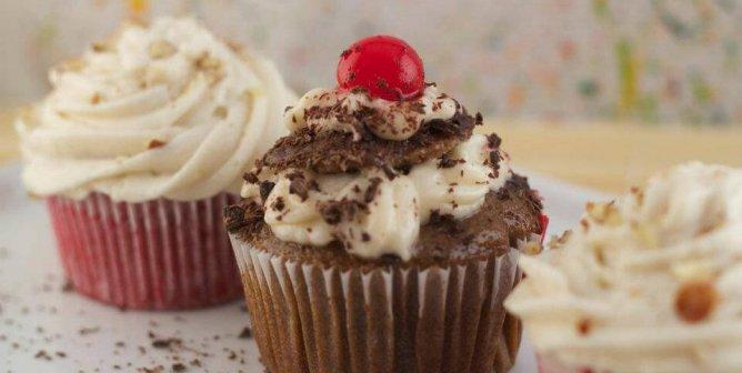 8 Over-the-Top Vegan Desserts