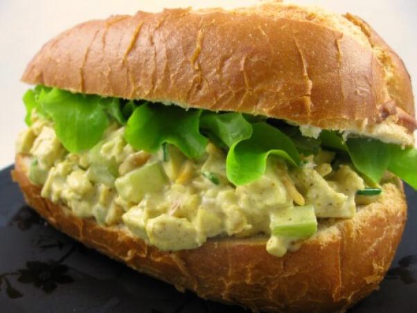 curried 'chicken' salad sandwich