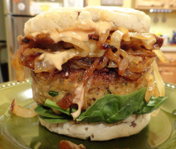 The-Eggplant-Crunchburger-945x800