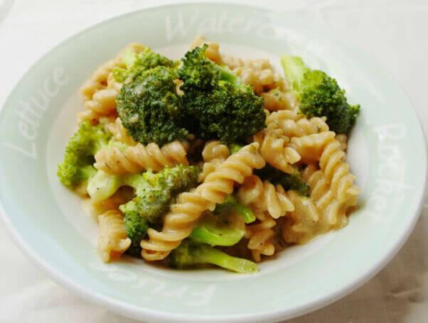 broccoli cheese pasta easy vegan meal
