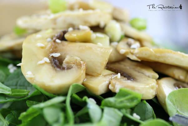 Raw vegan recipes to power you through the day peta raw marinated mushroom recipe image forumfinder Choice Image