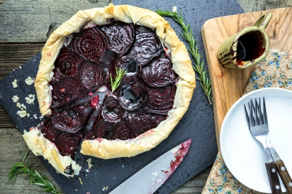Keepin It Kind Balsamic-Roasted-Beet-and-Rosemary-Cashew-Cheese-Tart