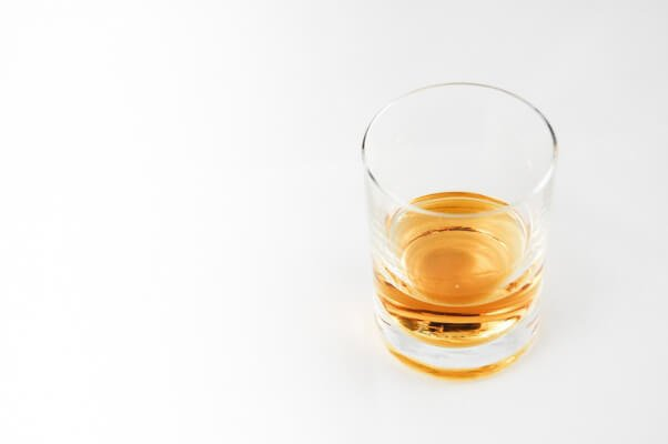 Holiday-Foods-that-are-bad-for-dogs-alcohol-rum-whiskey