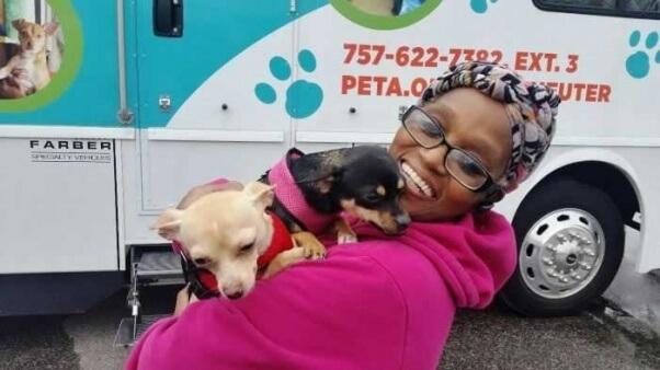 Spay/neuter clients at PETA's mobile clinic