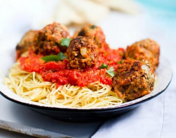 Spaghetti vegan meatballs