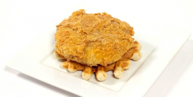 vegan-fried-chicken-on-a-waffle