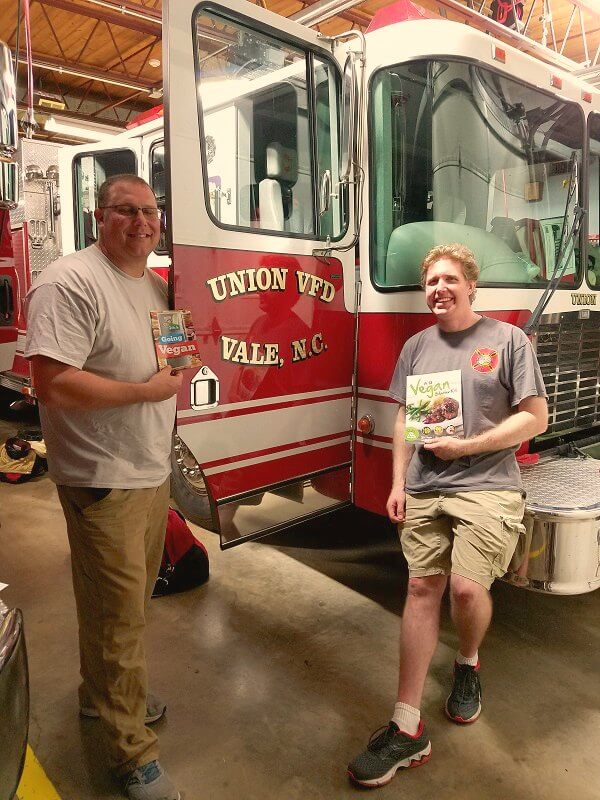 david-and-chief-10-4-16-firefighter-dinner-2