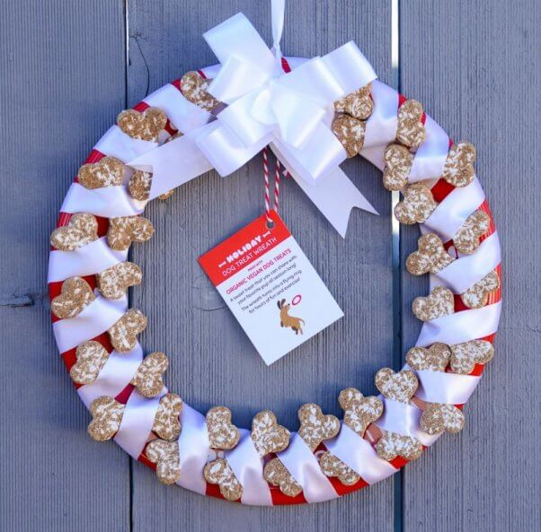 peta-catalog-dog-treat-wreath