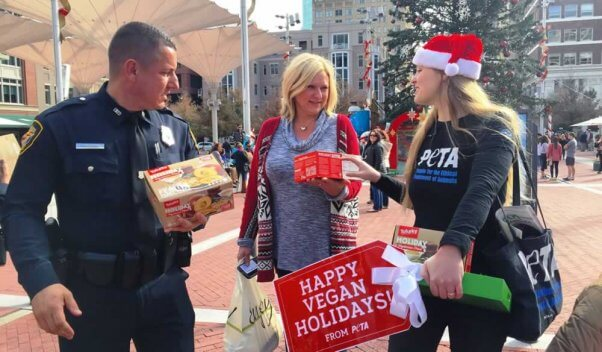 PETA and Ft. Worth police officer give away Tofurky roasts