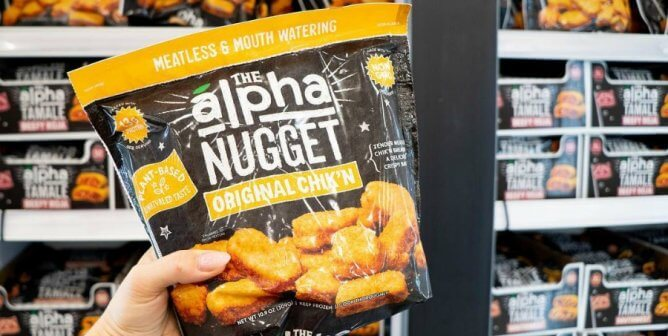 These Vegan Chicken Nugget Brands Will Fool Your Meat-Eating Friends