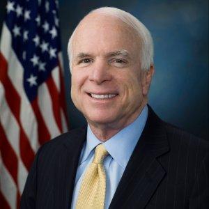 USA: Senator John McCain died