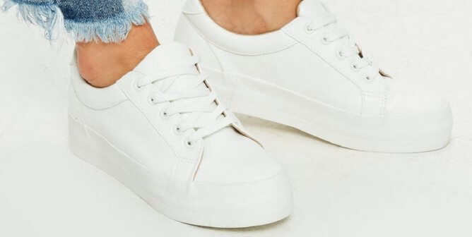 732bae22d0 The Cutest  90s-Style White Sneakers Are Vegan