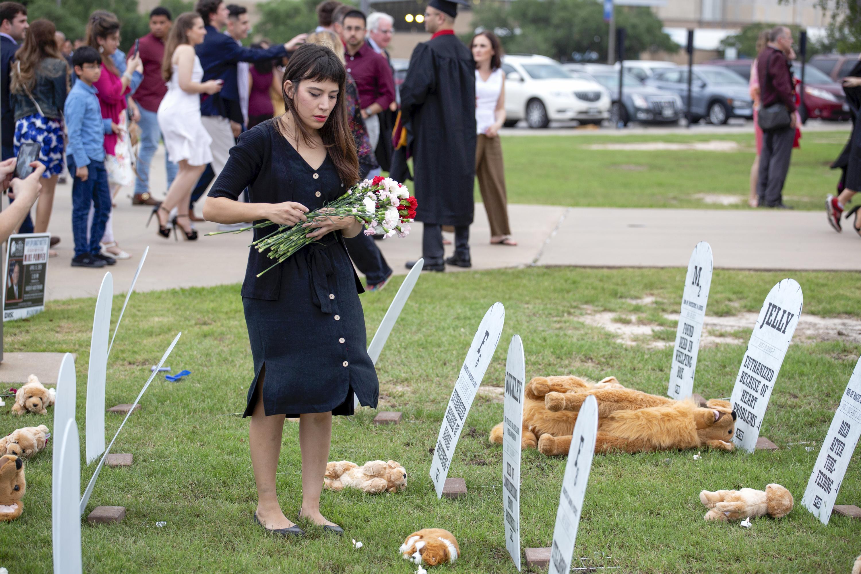 PETA pop-up dog graveyard at TAMU graduation ceremony 2019