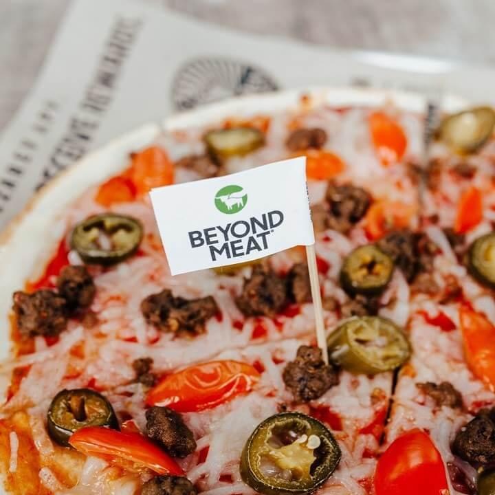Vegan Pizza at Chain Restaurants (Update August 2019) | PETA