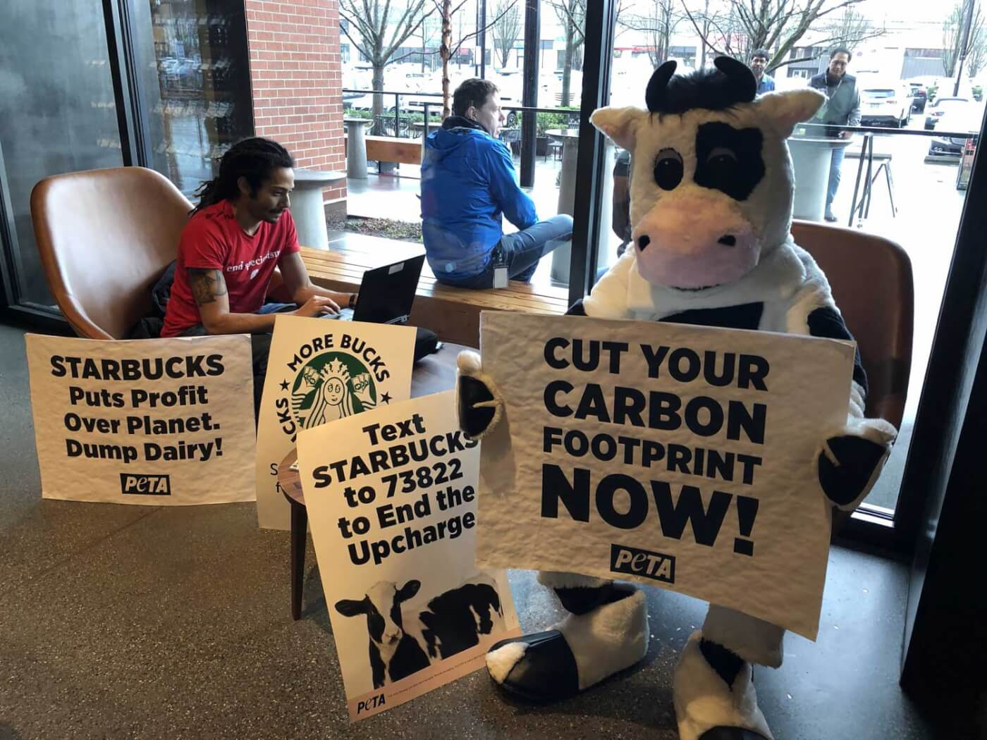 For Customers to Ditch Dairy, Starbucks Must Act, Too